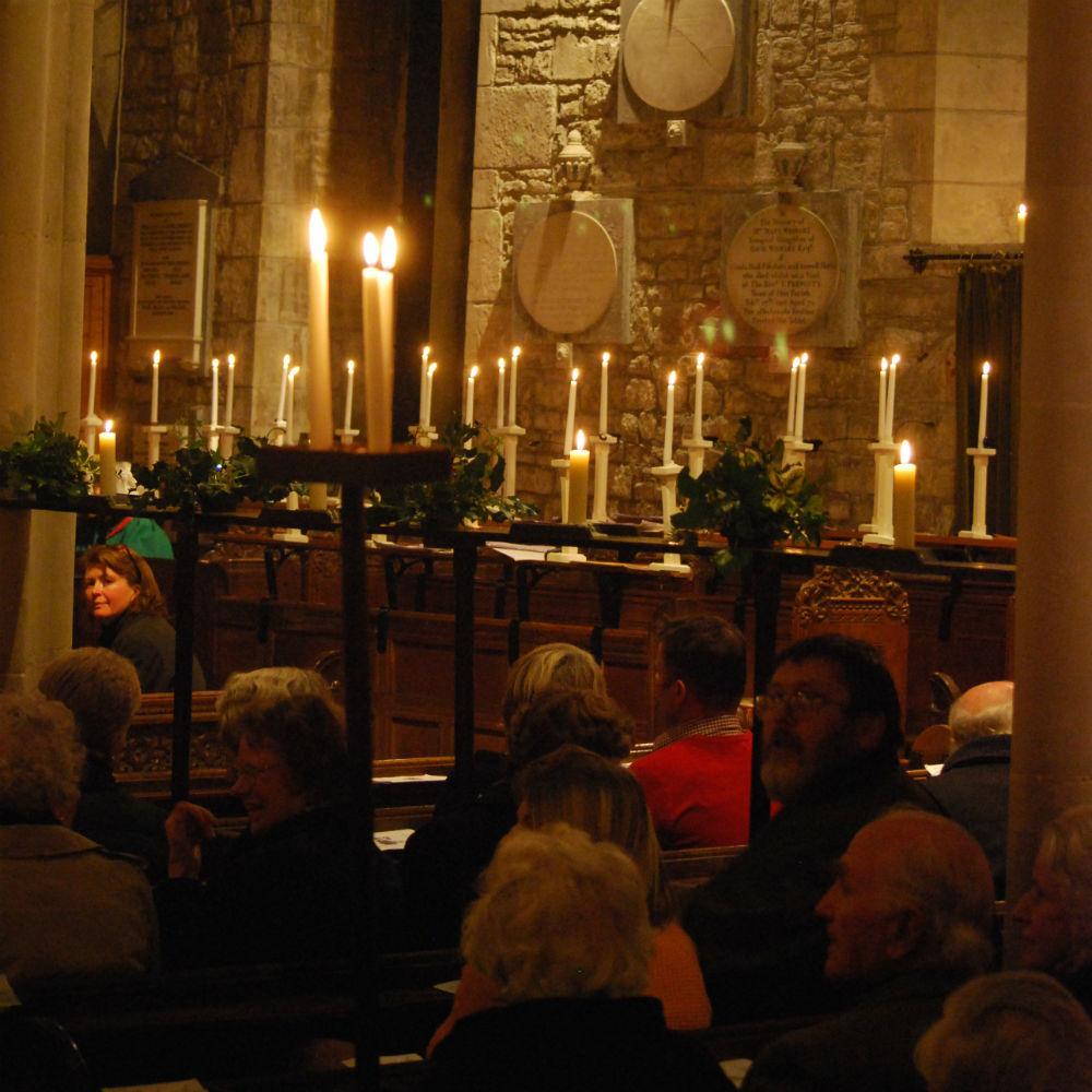 Christmas Tree Inn Tn: The Village Carol Service