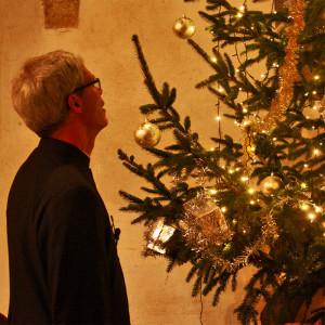 2016 - Andrew & Xmas tree